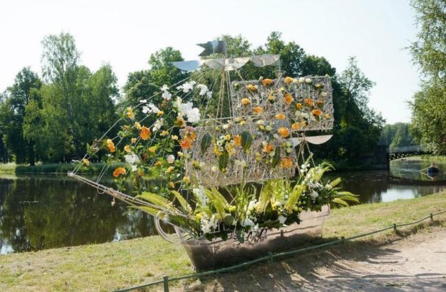 А в павловске на выходных расцветет императорский букет